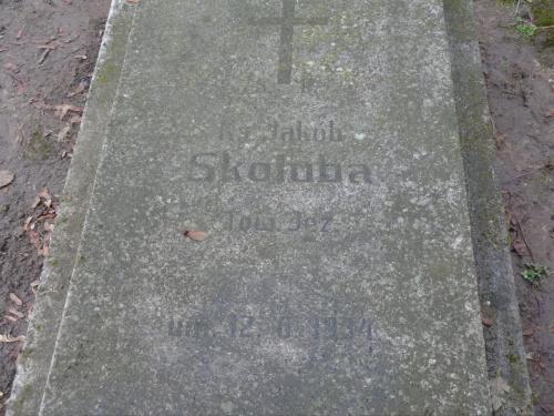 Ks. Sokluba cmentarz św. Piotra i Pawła [lokalizacja za grobem Kapitana Cymsa]