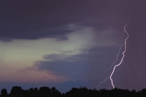 piorun #burza #piorun #WyładowaniaAtmosferyczne #niebo #ZjawiskaAtmosferyczne
